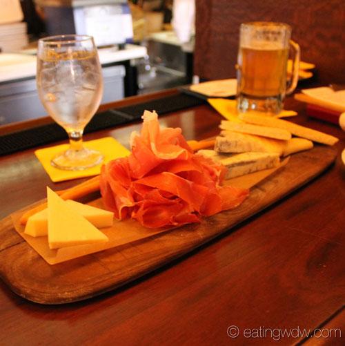 tutto-gusto-wine-cellar-asiago-prosciutto-gorgonzola-cremificato