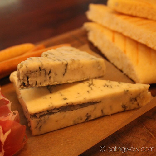 tutto-gusto-wine-cellar-gorgonzola-cremificato