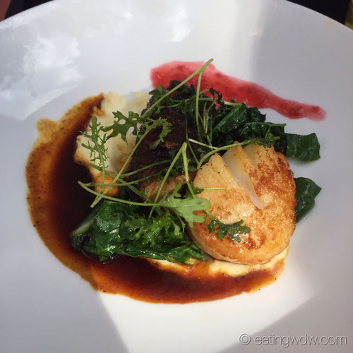the-hollywood-brown-derby-pan-seared-scallop-crispy-pork-belly