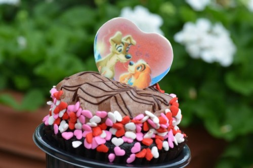 hollywood-studios-lady-and-the-tramp-cupcake
