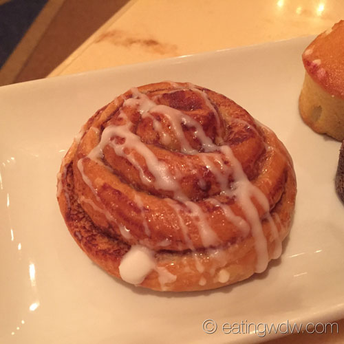 be-our-guest-breakfast-cinnamon-roll