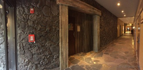 trader-sams-grog-grotto-entrance