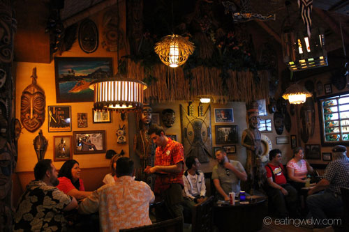 trader-sams-grog-grotto-interior