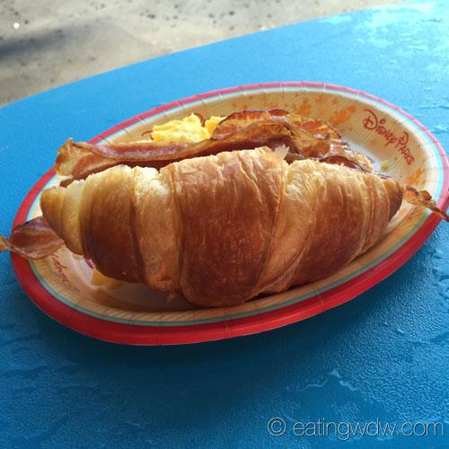 capt-cooks-breakfast-sandwich-2