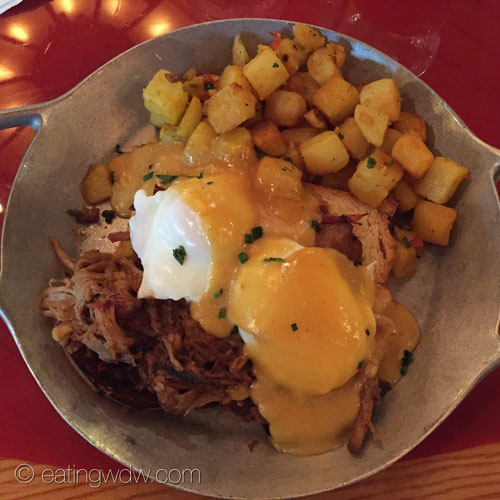 whispering-canyon-cafe-chuck-wagon-pulled-pork-eggs-benedict
