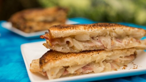 taste-track-gruyere-and-applewood-smoked-bacon-grilled-cheese-sandwich