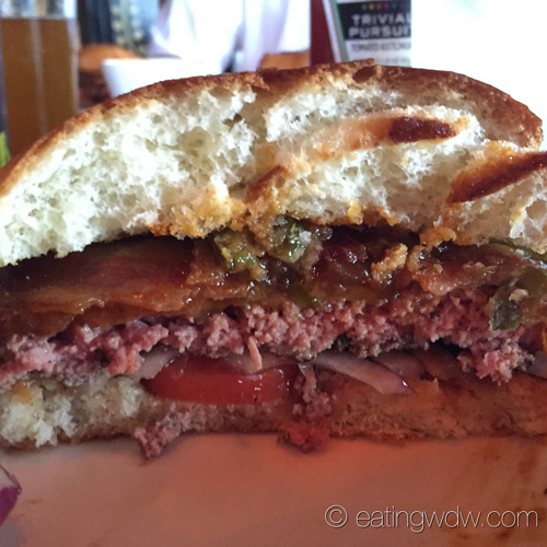 house-of-blues-smoked-bbq-bacon-burger-4