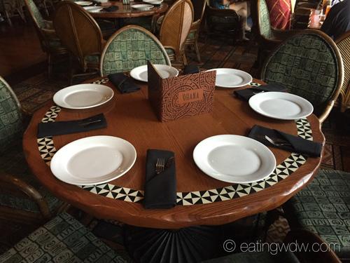 ohana-dinner-table-setting