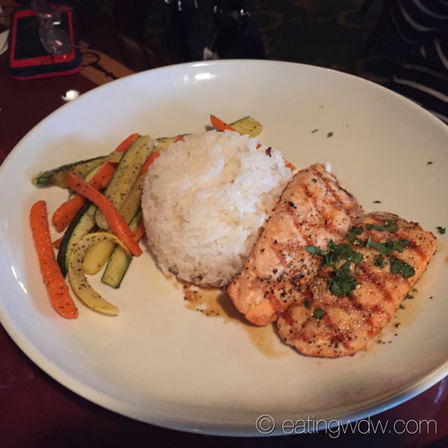 turf-club-bar-and-grill-grilled-salmon