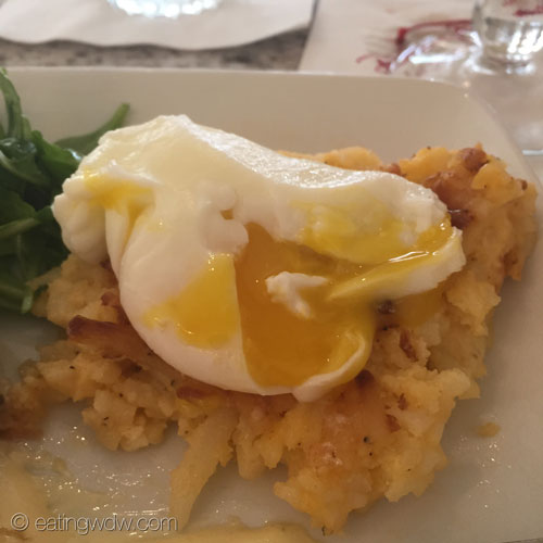 grand-floridian-cafe-sirloin-steak-and-eggs-poached-2