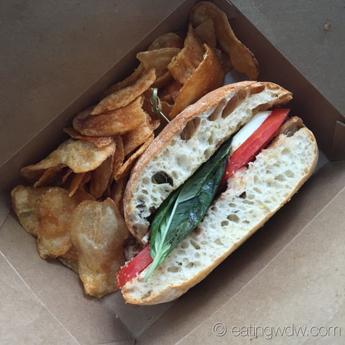 landscape-of-flavors-caprese-sandwich-house-made-chips